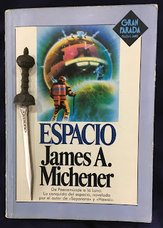 Portada del libro Espacio, de James A. Michener
