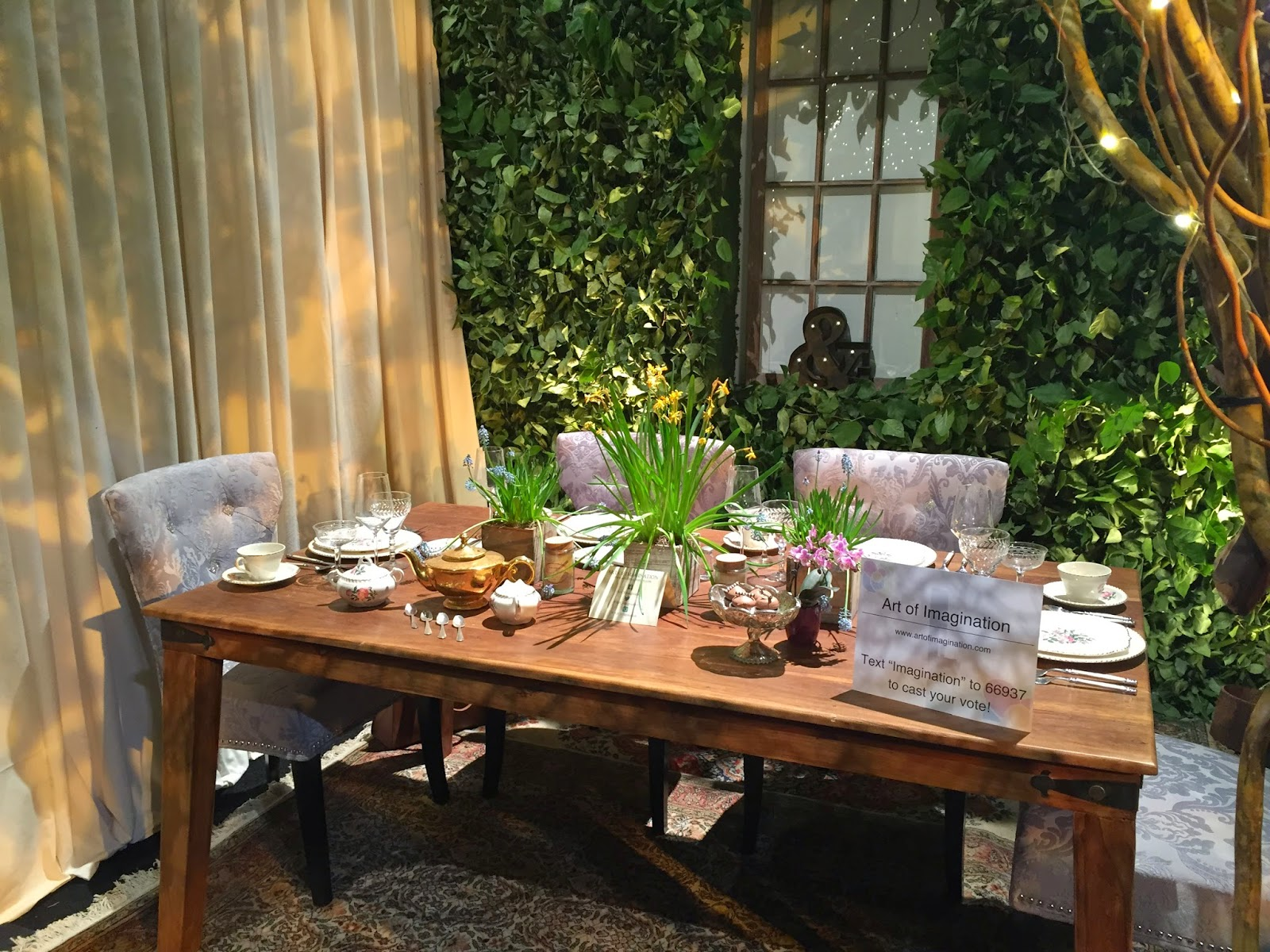 Gorgeous Outdoor Table Settings