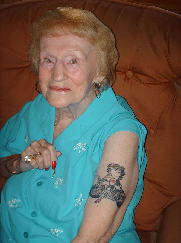 tattooed-elderly-people-22