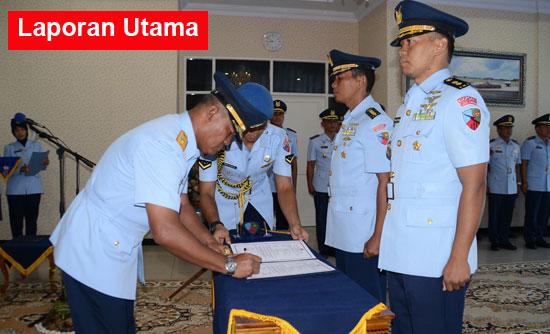 SERTIJAB : Sertijab Kepala Dinas Personel (Kadispers) Lanud Supadio dari Kolonel Adm Mukhtar Bakhrong, S.E., M.M kepada Letkol Pnb Sidik Setiyono di ruang VIP Room Lanud Supadio, Rabu (19/10)