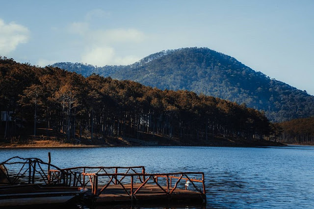 Tuyen Lam Lake tourist site becomes national tourism site 1