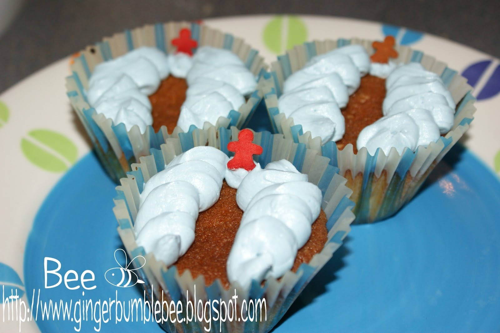 Beehive Bits And Pieces: Moses Parts The Red Sea Cupcakes