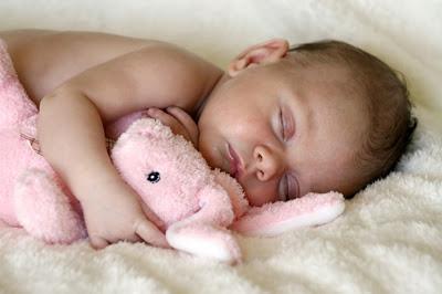 bayi-lucu-sedang-tidur