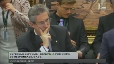 Comissão da Câmara analisa pedido de impeachment
