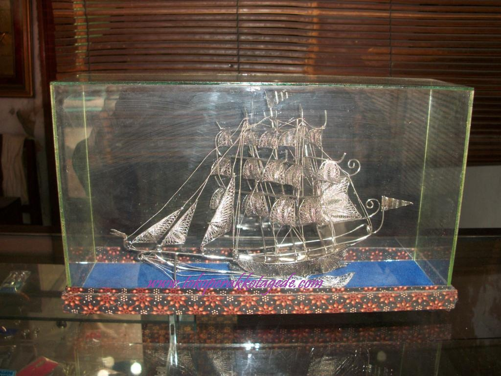 miniatur kapal pinisi silver plated