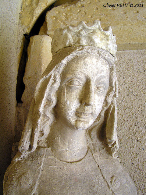 METZ (57) - Le cloître des Récollets - Vierge