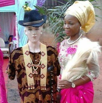 nigerian woman married white statue