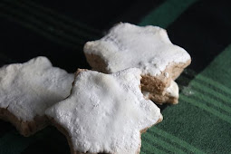 ZIMTSTERNE (GERMAN CINNAMON STAR COOKIES)