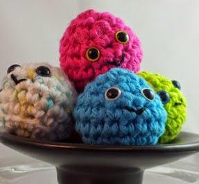 http://translate.googleusercontent.com/translate_c?depth=1&hl=es&rurl=translate.google.es&sl=en&tl=es&u=http://www.crochetquickies.com/free-crochet-pattern-2/food/gumdrops/&usg=ALkJrhi48_OkVjaVeCX0ZlBLFyo3tjd1mg
