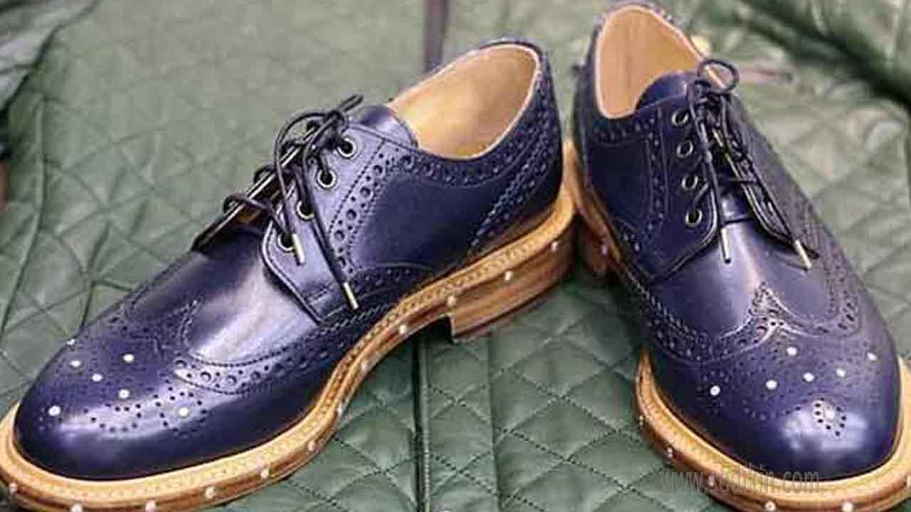 desain-sepatu-pria-bertahtakan-68-berlian-dan-tali-emas-info-keren