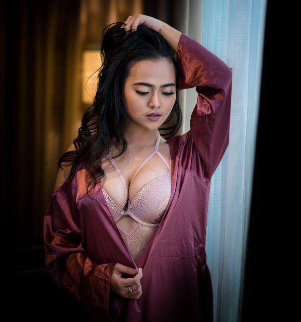 Vinnie Kuntadi, Pamer Body Sexy Nude Indonesia - www.insight-zone.com