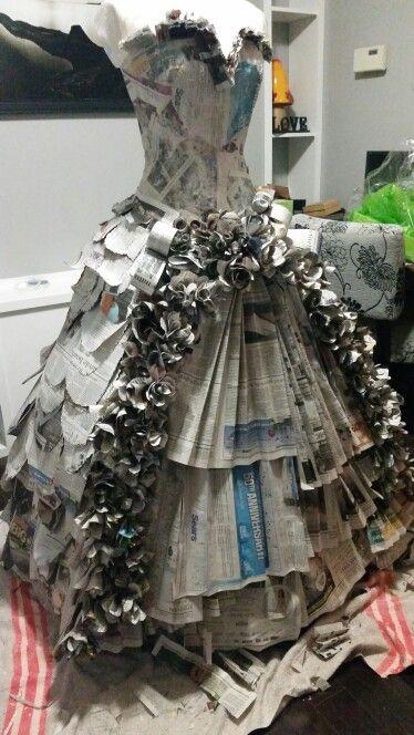 Contoh Kerajinan Dari Barang Bekas Koran Dibuat Menjadi Baju Indah