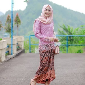 Inspirasi Gaya OOTD Kasual Hijab Buat Liburan