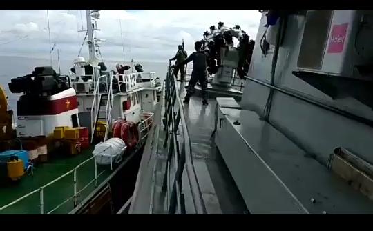 Kapal Vietnam Tabrak Kapal Perang Indonesia, Kemudian Kabur Ke Laut Lepas