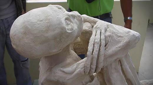 Humanoide momificado con 3 dedos hallado en Perú podría cambiar la historia de los orígenes humanos