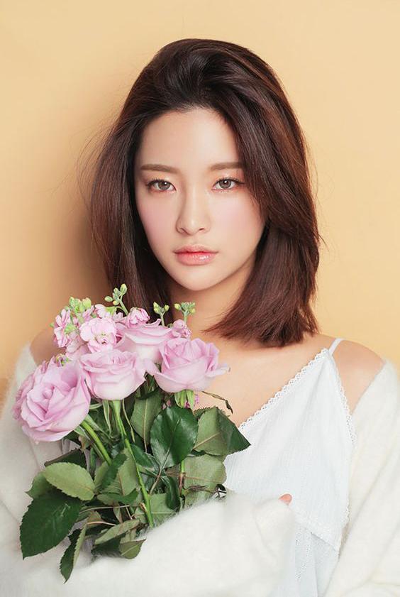 Model Potongan Rambut Wanita Ala Korea - Gaya rambut pendek sebahu ala korea