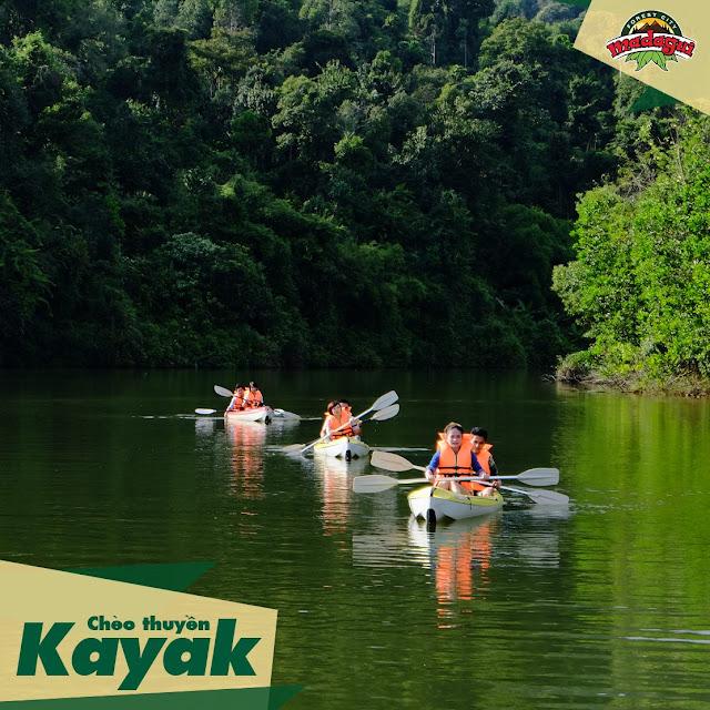 Chèo Thuyền Kayak tại khu du lịch Madagui