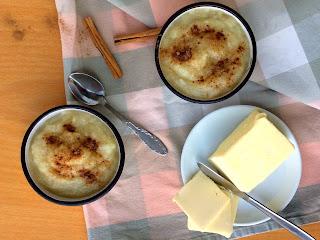Hruškové pyré s máslem a skořicí
