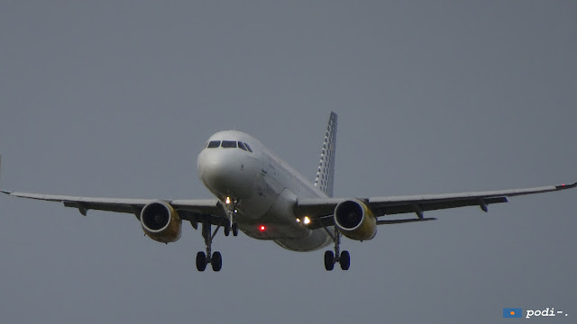 Aterratge a l'aeroport del Prat.