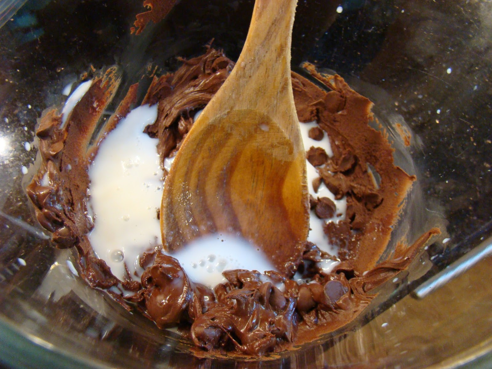 Chocolate Cake With Mayo And Sour Cream