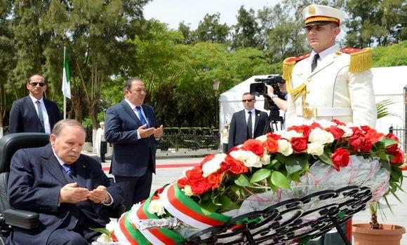 الرئيس بوتفليقة يترحم على أرواح شهداء ثورة الفاتح نوفمبر بمقبرة العالية