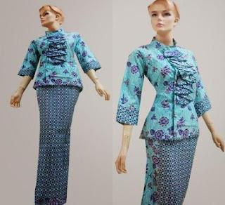 Model baju batik kantor dengan rok panjang