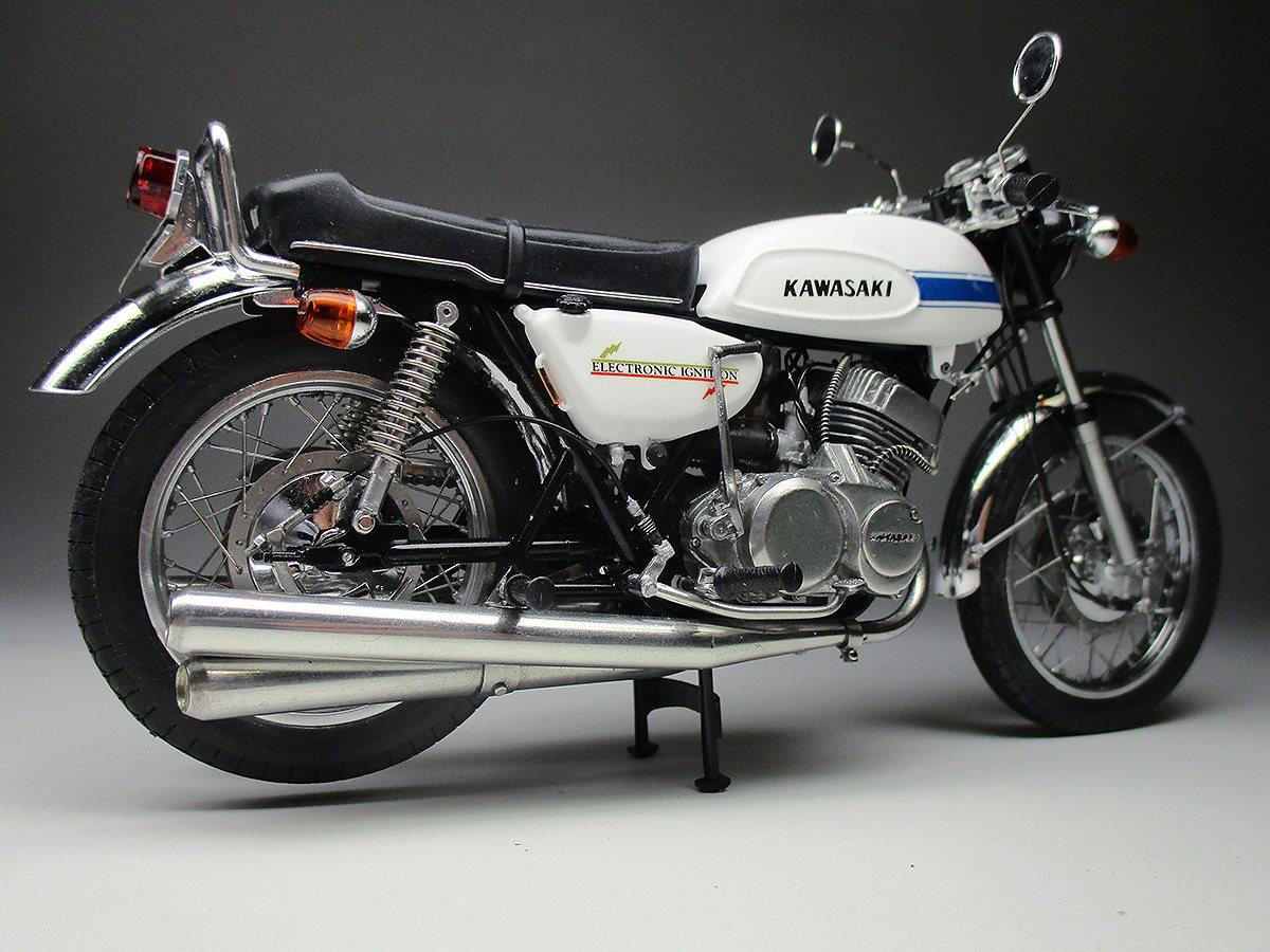 Racing Scale Models: Kawasaki H1 Mach III 500 by Max Moto ...