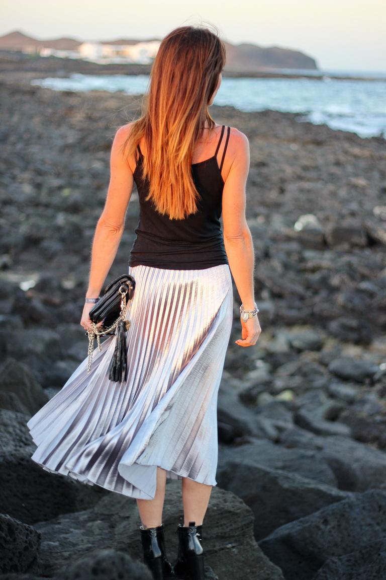 Falda tablas, falda plateada, streetstyle, bbeautifulbymaria, fashion blogger, Lanzarote 2016
