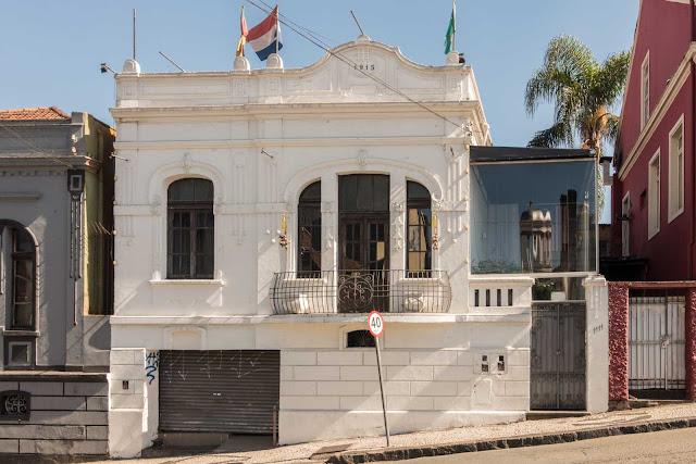 Casa de 1913 na Alameda Dr. Muricy, em Curitiba