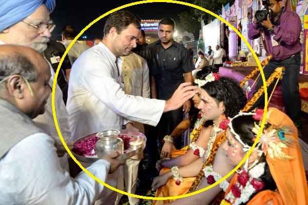 rahul-gandhi-shri-ram-ko-tilak-aur-aarti-karte-hue-khul-gaya-dimag