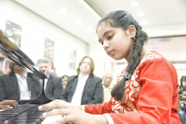 Banjamin Barria and very promising and young pianist Gauri Mishra performed in Musical Concert