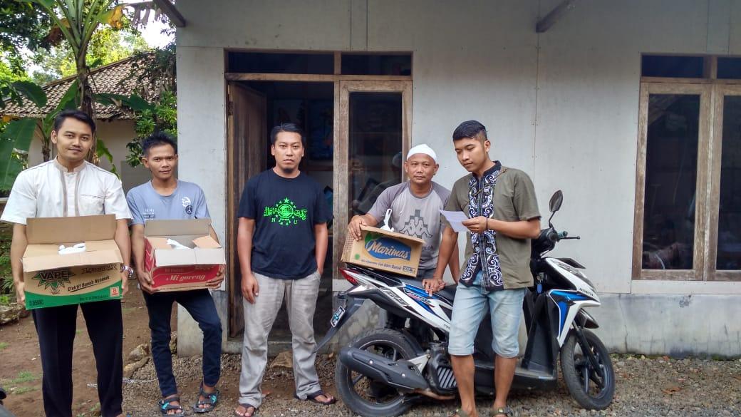 Patut Dicontoh, Pemuda Desa Cibenda Iuran Untuk Sembako Bagi Warga