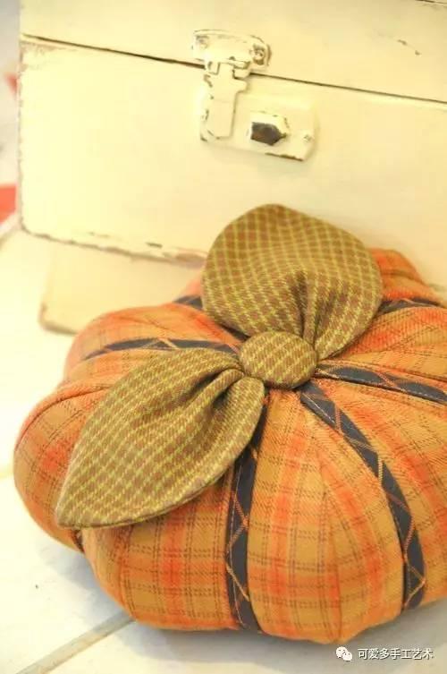 овощи, овощи текстильные, поделки на Хэллоуин, Праздник Урожая, Хэллоуин, игольницы, игольницы из ткани, игольницы своими руками, мастер-класс, идеи игольниц, игольницы тыквы, тыквы, для шитья, шитье, для иголок, подушечки, подушечки для иголок, игольница своими руками мастер класс с фото http://prazdnichnymir.ru/