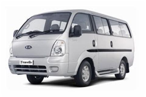 Rental Mobil Kia Travelo di Bali