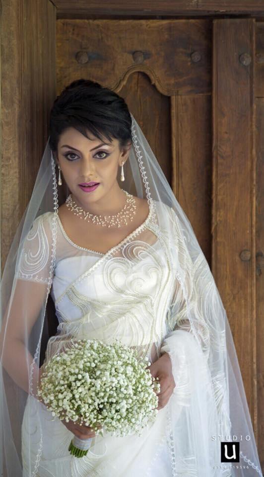 Sri lankan hot actress Yashoda Wimaladharma