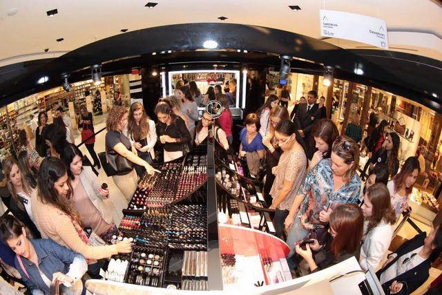 feb0afb638a Sephora inaugura sua pop up store em Curitiba ...