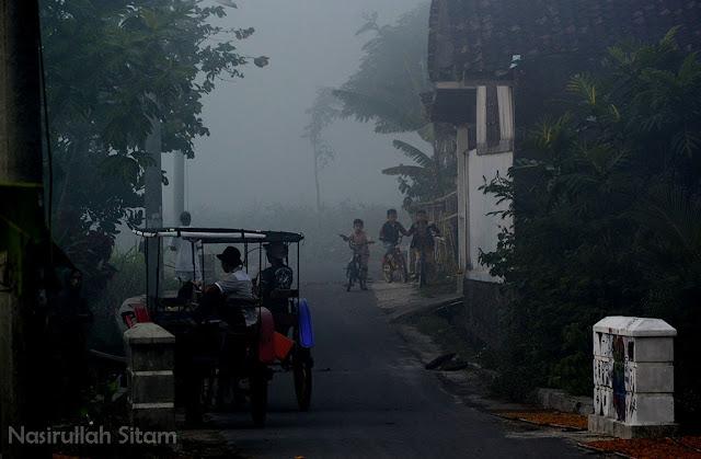 Kabut kala pagi hari di Temanggung