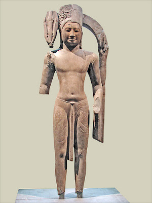 Statue, position de l'estomac