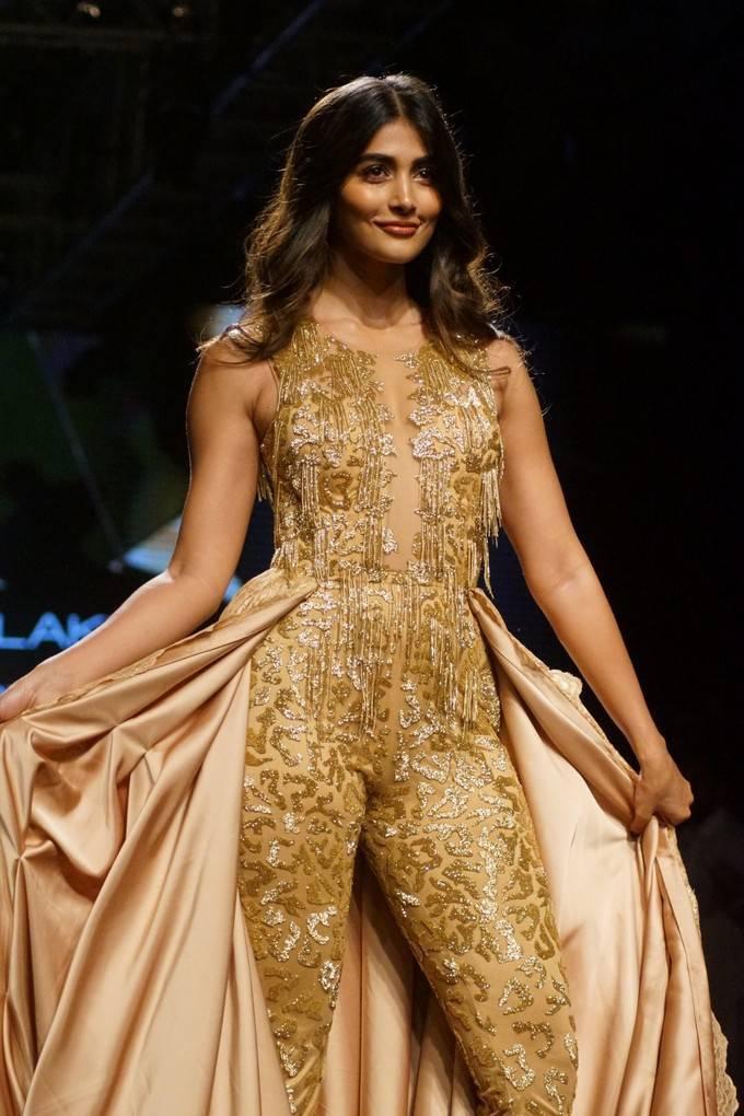 Pooja Hegde At LFW Winter Festive 2017 Stills