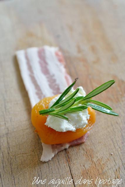 Abricots au lard, chèvre, romarin apéritif