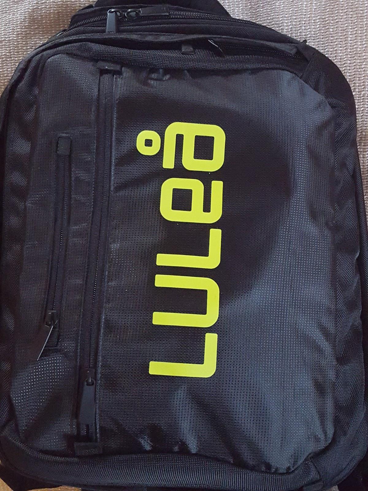 Jag tycker det är bra med ryggsäck. Man hänger den på axlarna 3d2661df23197