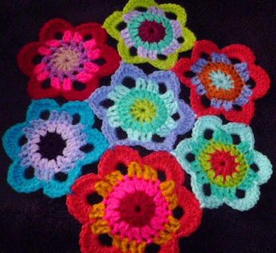 Susan Pinner: Giant 6 Petal Flower version with no infills PATTERN
