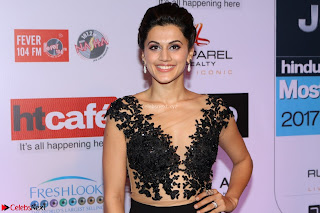 Red Carpet of Most Stylish Awards 2017 ~ Taapsee Pannu (8).JPG