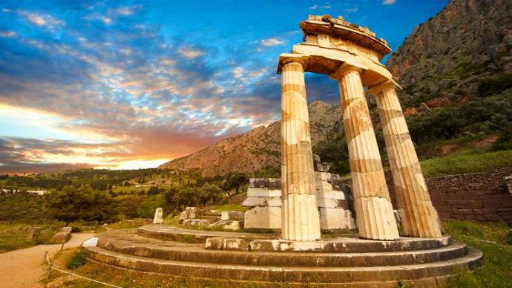 Πως ήξεραν οι αρχαίοι πότε έπρεπε να μαζευτούν από παντού στο Μαντείο των Δελφών αφού δεν είχαν κοινό ημερολόγιο;