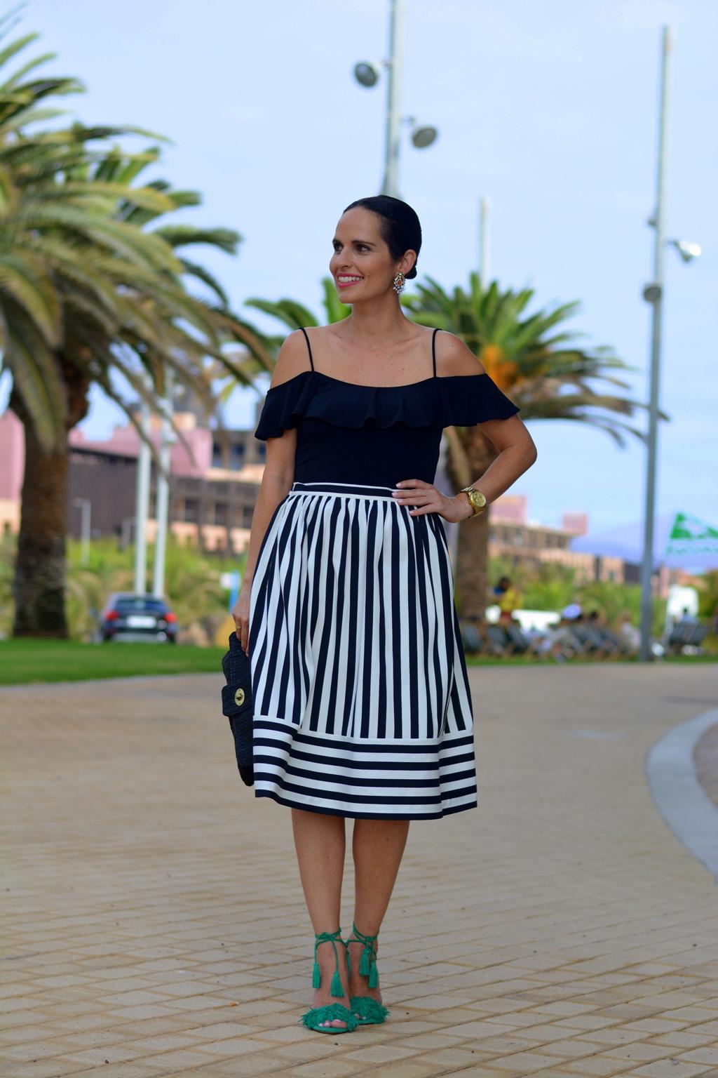 look-blanco-negro-outfit-topshop-stradivarius