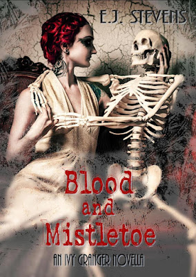 Blood and Mistletoe Ivy Granger, Psychic Detective by E.J. Stevens