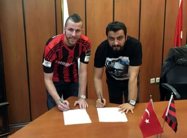O goleiro Paulo Victor viajou para Turquia a958ba58e6950
