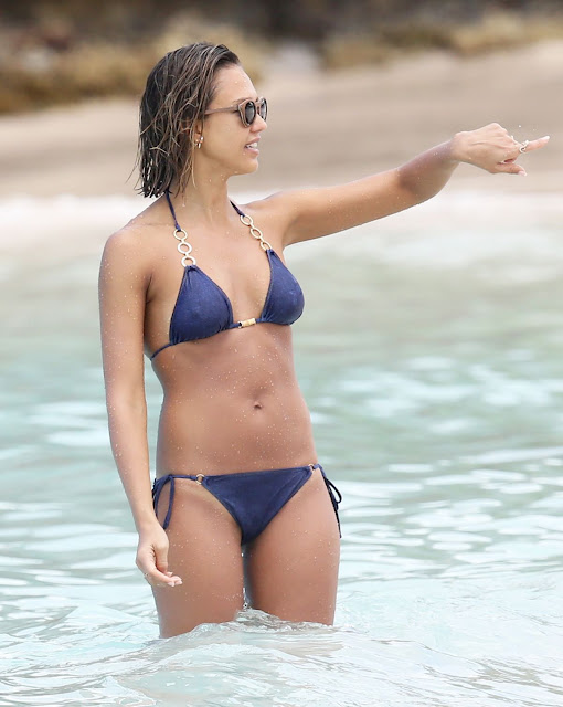 jessica alba in bikini at a beach in the caribbean 15 - Jessica Alba Hot Bikini Images-60 Most Sexiest HD Photos of Fantastic Four fame Seduces Us Atmost