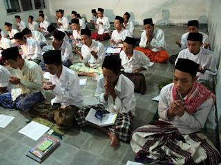 Sistem Pendidikan Dan Pengajaran Di Pesantren