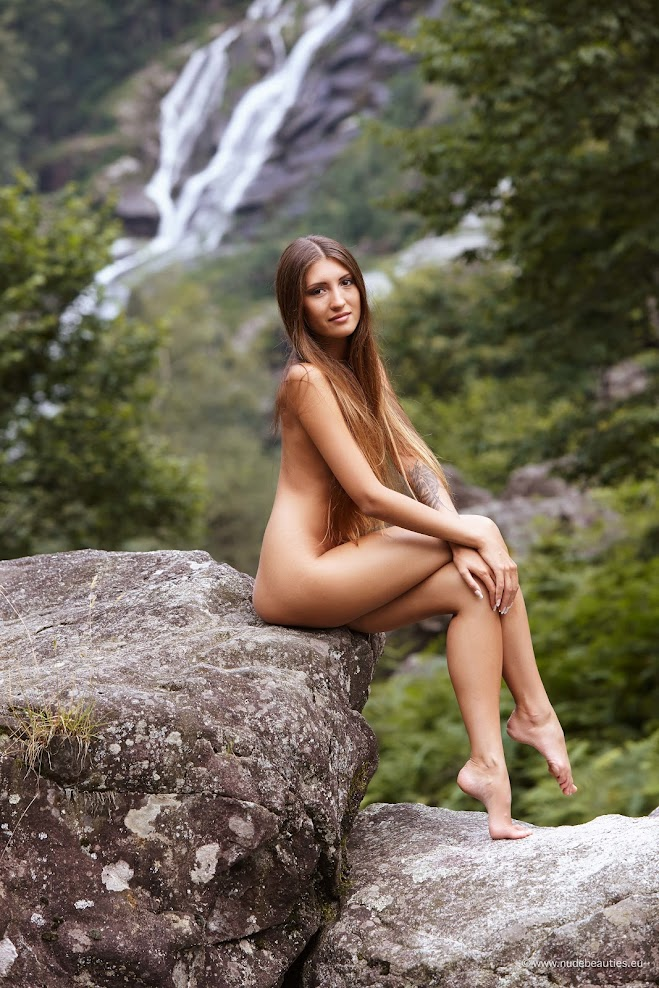 [NudeBeauties.Eu] Sashia, Saju - Morning Sunlight / Stonehedge nudebeauties-eu 07110